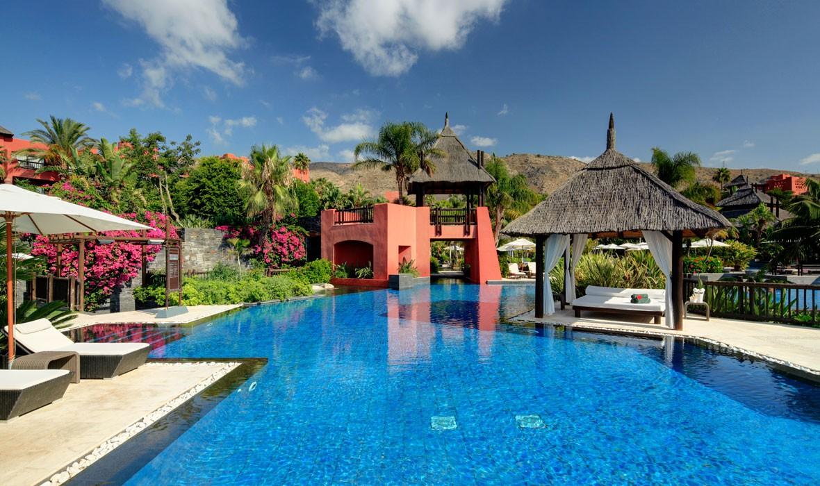 Hoteles de lujo suite hotel asia gardens asia gardens for Hoteles de lujo habitaciones